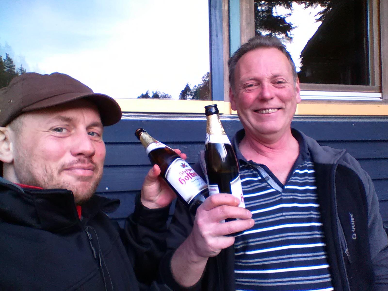 Axel und Rainer beim Sonntagsbier.jpg